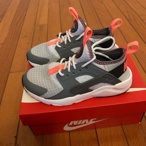 a25ba0d8a38c Nike Huarache run ultra child size 12